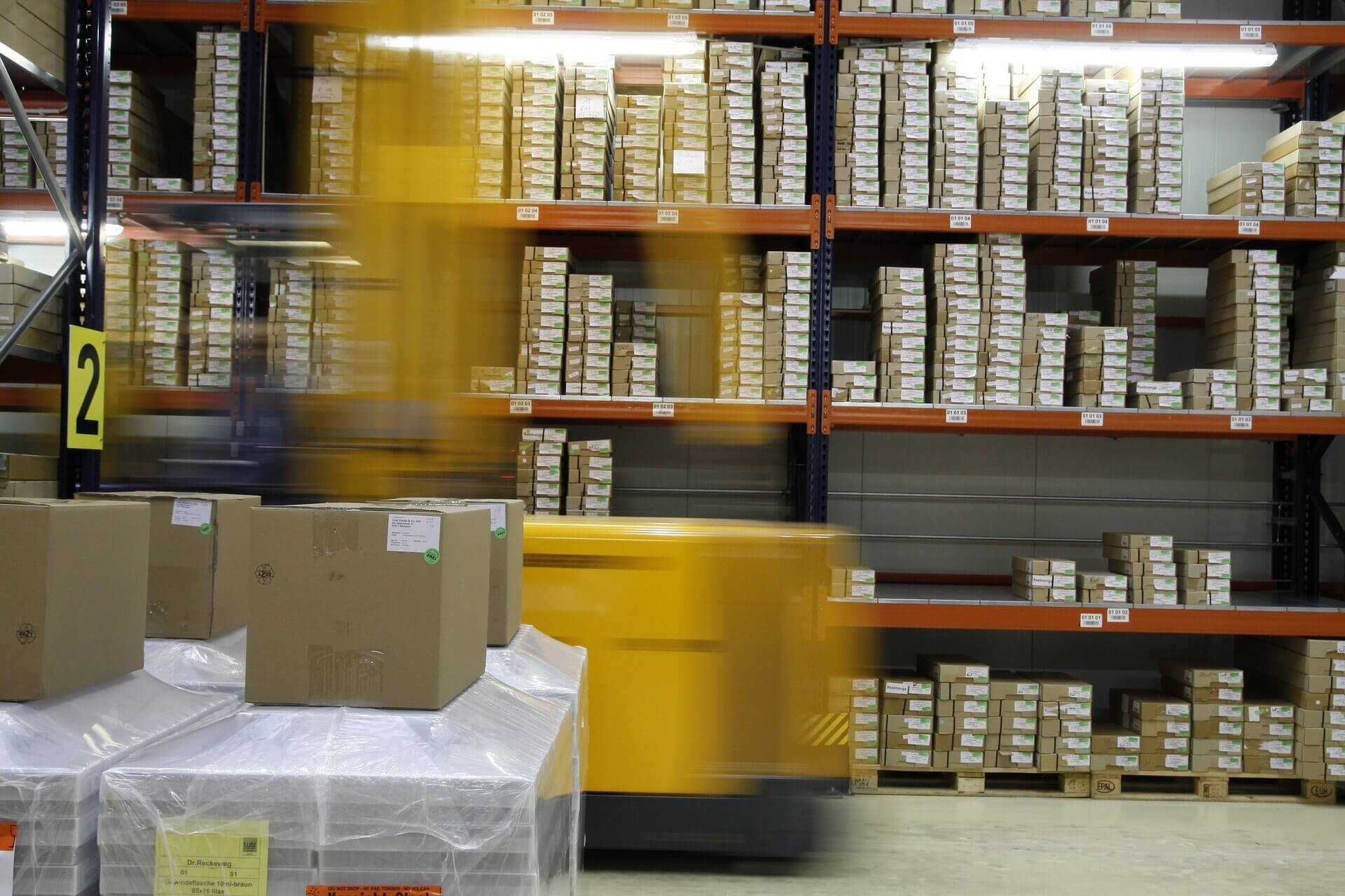 How to plan and track package deliveries using your own fleet?